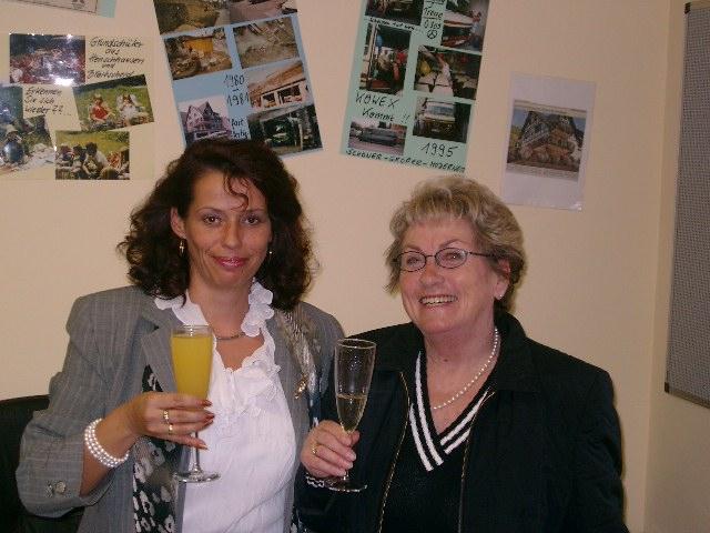 Kornelia Büttner mit Margret Sobanski  2004